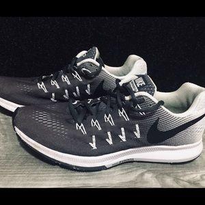 NIKE Zoom Pegasus 33 Women's Running Shoes Size: 8
